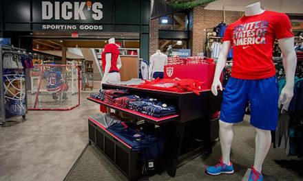 Dick's Sporting Goods Sees Flat Q2 Comps; Shares Fall On Ugly Outlook