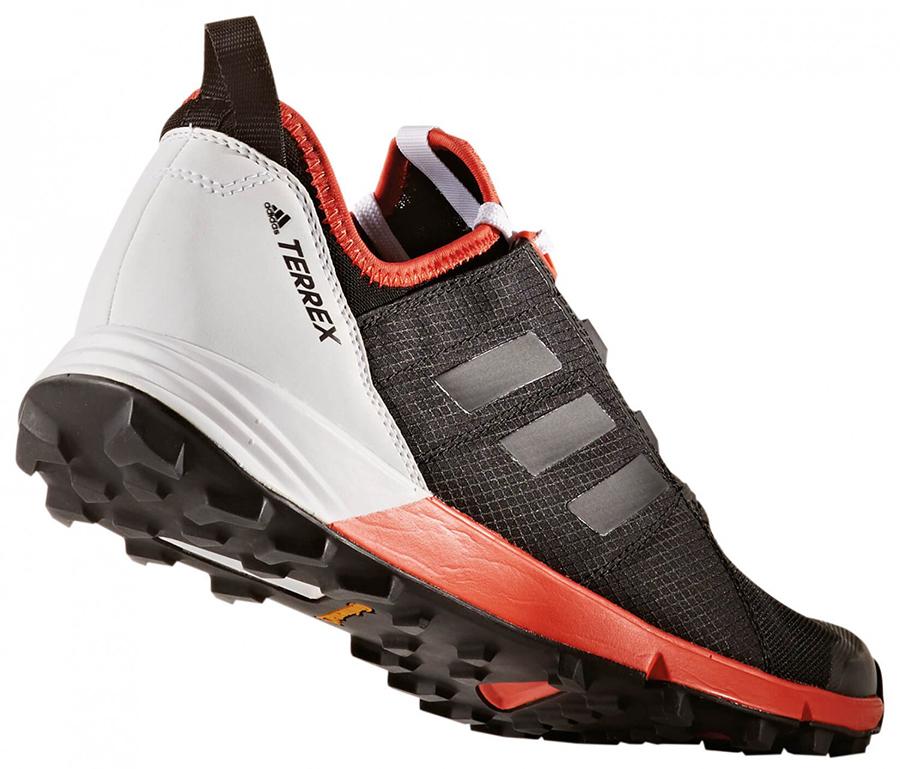 c22561145ea Cutting-Edge Innovation … W.L.Gore 3D Fit Sock Technology