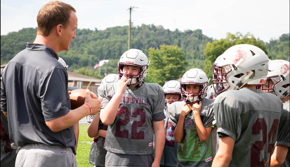 Riddell And Peyton Manning Award Smarter Football Equipment To 18 Programs