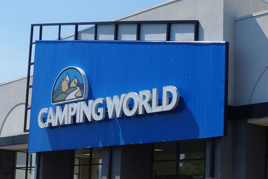 Mixed Signals Cloud Camping World's Outlook