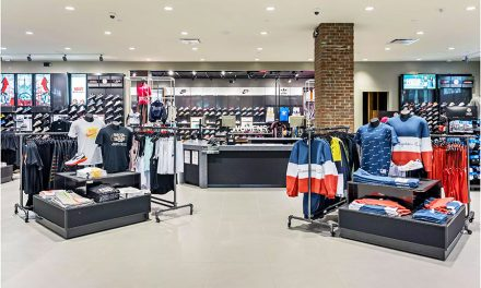 Foot Locker Banks On Second-Half Sales Pick-Up