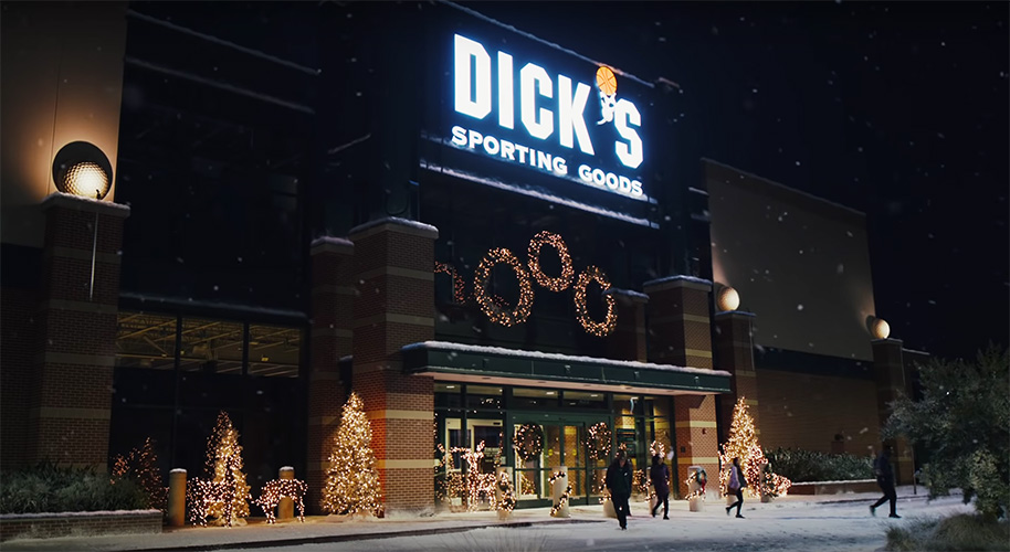 Dick's Sees Top-Line Momentum Continuing