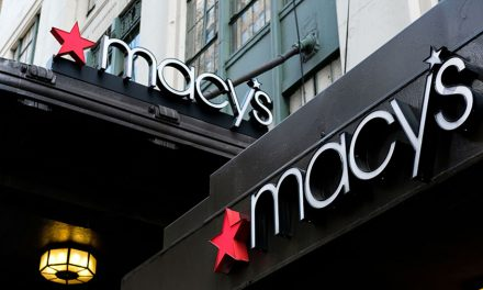 Macy's Freezes Hiring, Reduces Management Pay