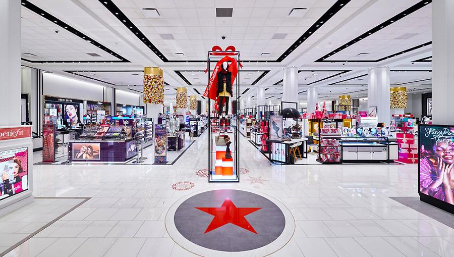 Macy's Warns Of $1 Billion Quarterly Loss
