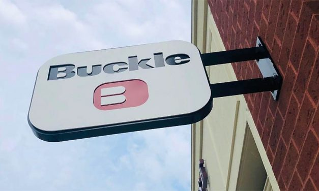 The Buckle's Q1 Revenues Fall 42.7 Percent