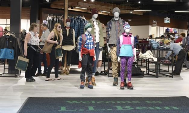 L.L.Bean Plans Three Stores In Canada