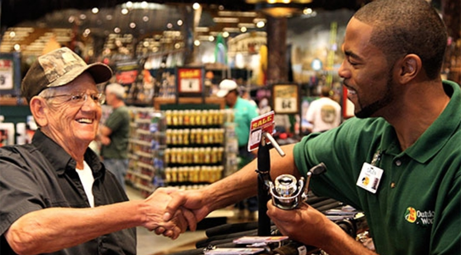 Bass Pro Shops To Hire 5,000
