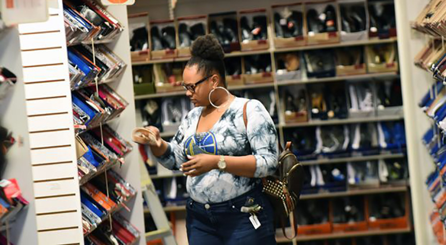 Payless Plans Comeback In U.S.