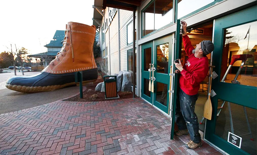 Five L.L. Bean Fulfillment Workers Test Positive For COVID-19