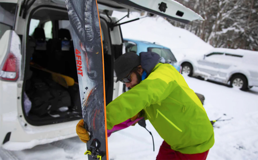 4FRNT Skis Acquired By Investor Group
