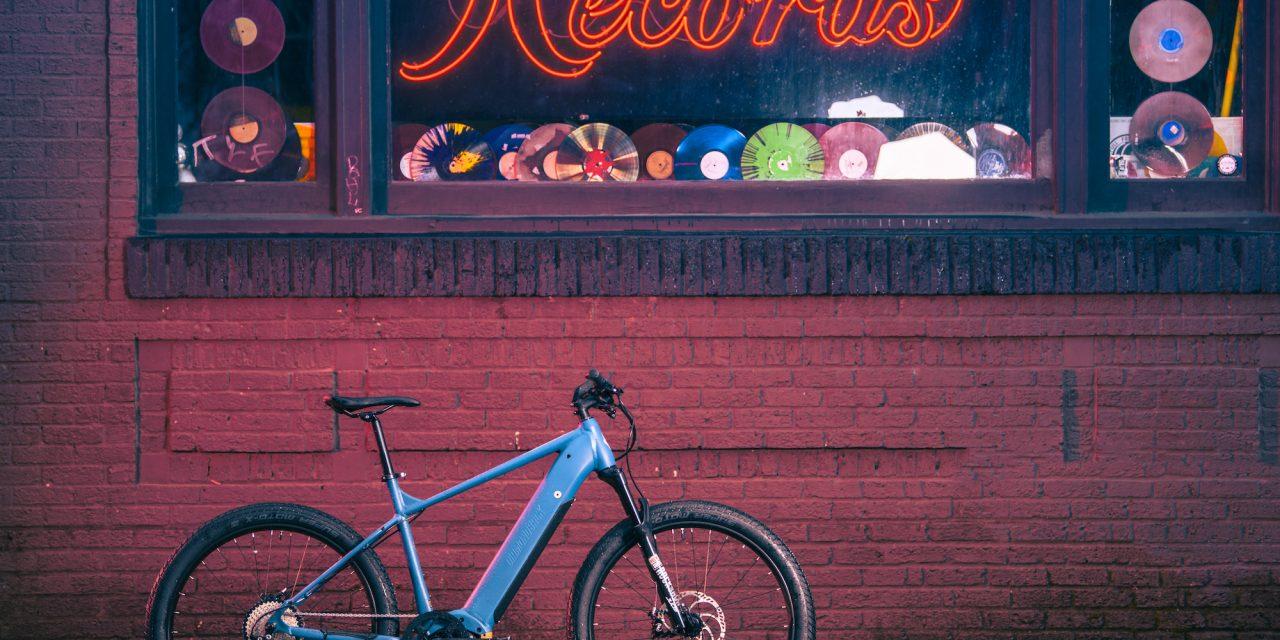 Diamondback Amplifies Spring 2021 Lineup With E-bike Collection