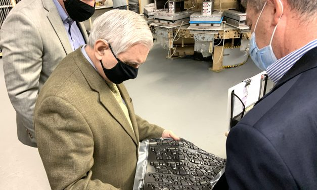 G-Form Hosts Senator Reed At North Smithfield Manufacturing Facility