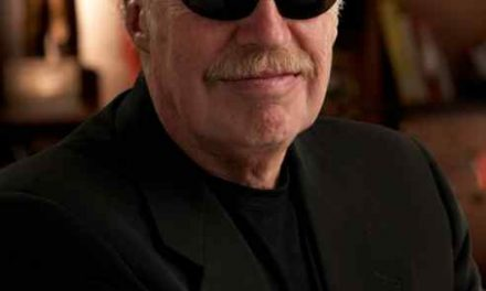 Nike Chairman Phil Knight to Step Down