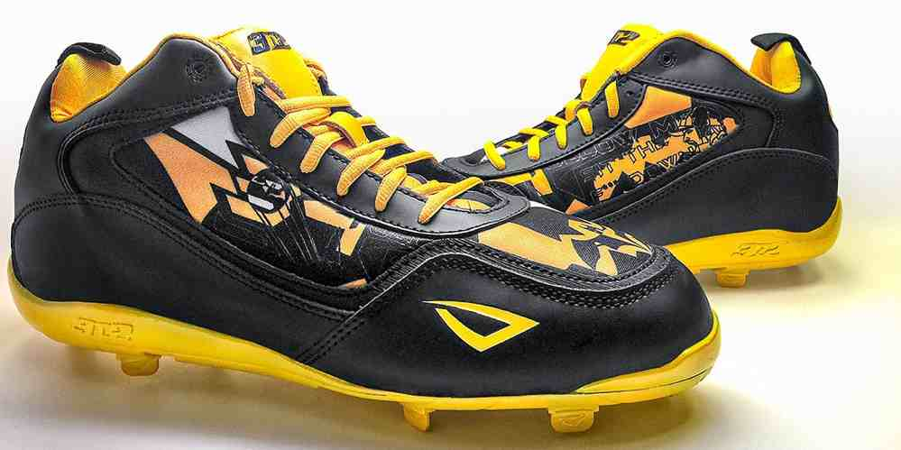 3N2 Delivers Batman Cleats for MLB All