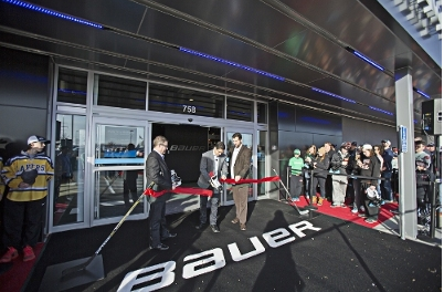 Bauer Hockey Opens Minnesota Own The Moment Hockey Experience